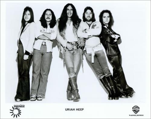 Ken Hensley, al centro, con gli Uriah Heep