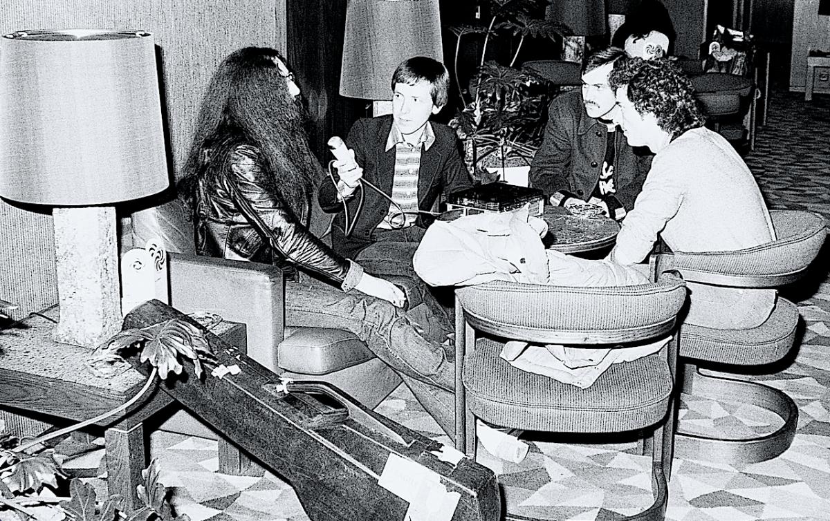 Ken Hensley, tastierista degli Uriah Heep e gli amici Sergio Crivelli, agente di polizia, e Forty Morell della BMG Ariola